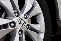 17-дюймовые колесные диски являются стандартными для CR-V EX-L.