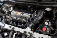2,4-литровый двигатель CR-V не может похвастаться большим крутящим моментом (221Нм). Как следствие, много топлива он сжечь так же не способен.