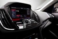 Мы отдаем предпочтение системе MyFord Touch, особенно на фоне уже значительно устаревшего интерфейса Honda CR-V. так же весьма порадовало отсутствие сенсорных кнопок, которые нас так раздражали в Explorer.