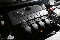 Новый двигатель представляет собой рядный 4-цилиндровый DOHC объемом 1,8л (MRA8DE). Благодаря увеличению хода поршня, увеличению эффективности горения, впуска и выпуска, а также уменьшению трения, расход топлива новой модели стал на 16% меньше по сравнению с предыдущим поколением. В качестве трансмиссии используется вариатор Xtronic с дополнительной коробкой передач.