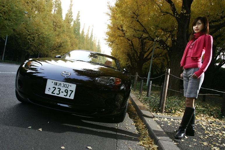 Если подсчитать  количество выпущенных машин за все время существования модели Mazda Roadster, начиная с самого первого поколения, то это будет приблизительно 700 тысяч автомобилей. И хоть кое-кто считает, что его технические характеристики не самые выдающиеся, факт остается фактом: это достижение достойно книги рекордов Гинесса!