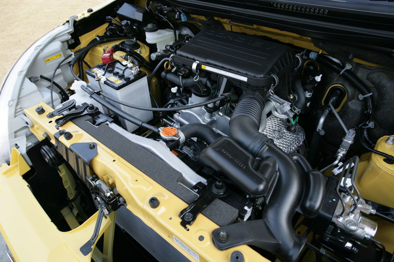 Двигатель а/м Daihatsu Bego: 1.5-литровый 4-цилиндровый, развиваемая мощность 109 л.с. при 6000 об/мин.,  наибольший крутящий момент – 14,4  кг/м при 4400 об/мин.
